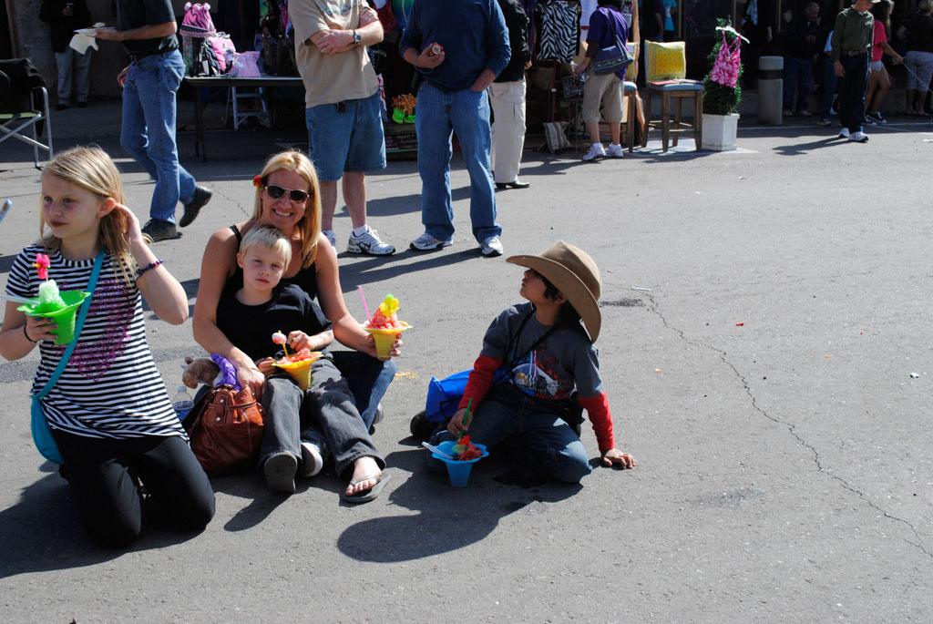 apache leap fest mayor &people on the street 004
