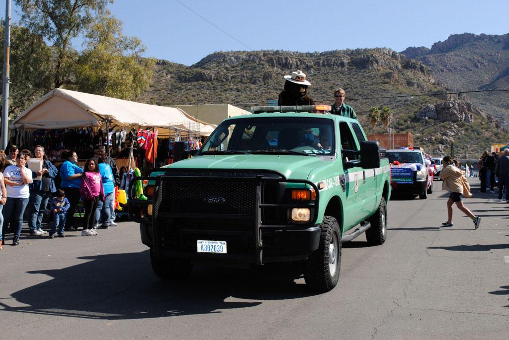 apache leap festival parade 071