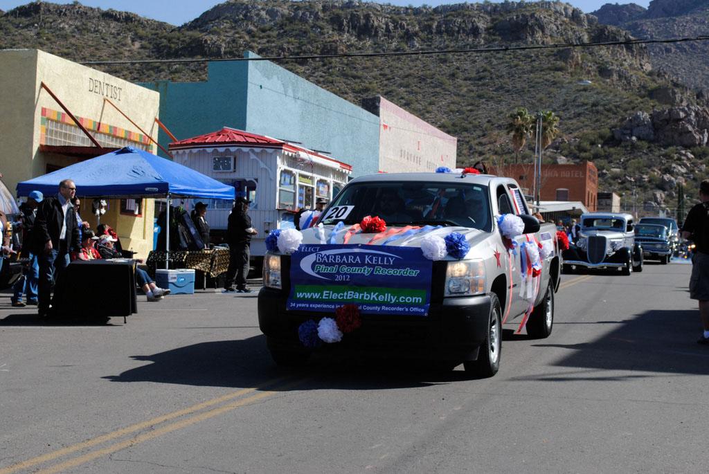 apache leap festival parade 072