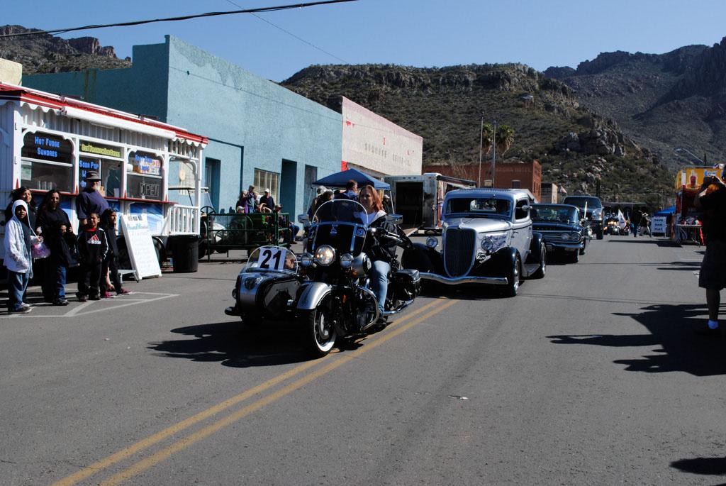 apache leap festival parade 074