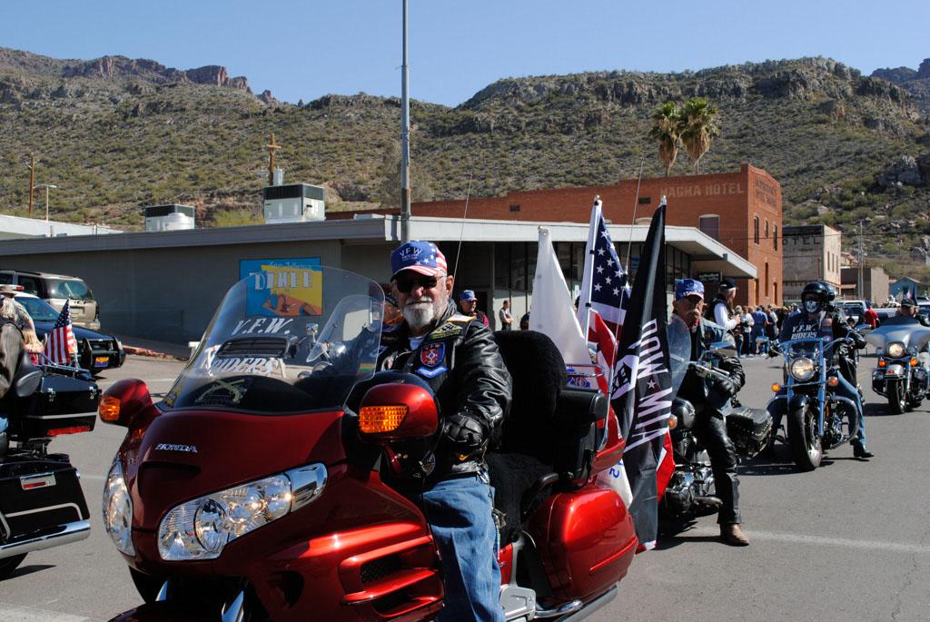 apache leap festival parade 079