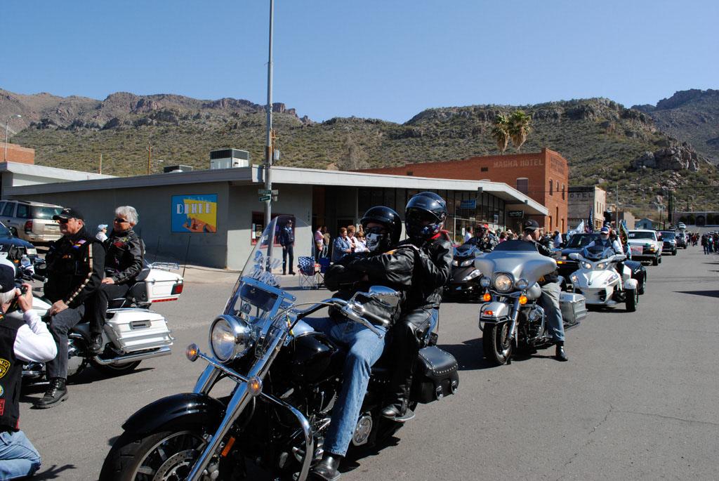 apache leap festival parade 081
