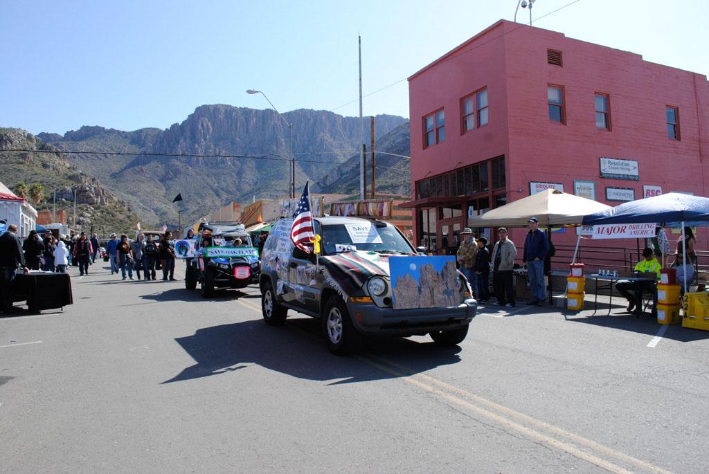apache leap festival parade 084