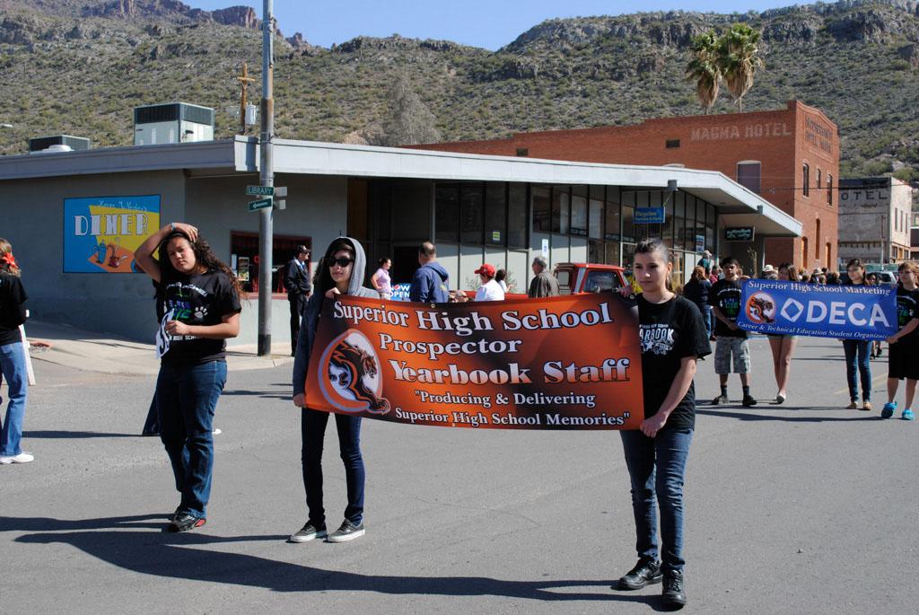 apache leap festival parade 089