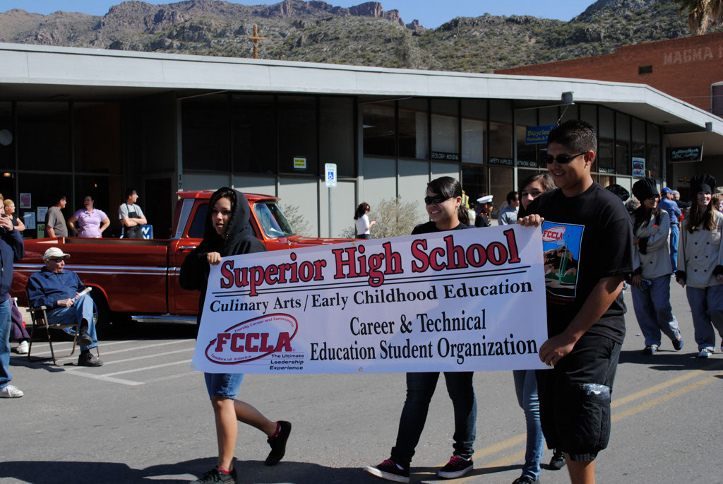 apache leap festival parade 091