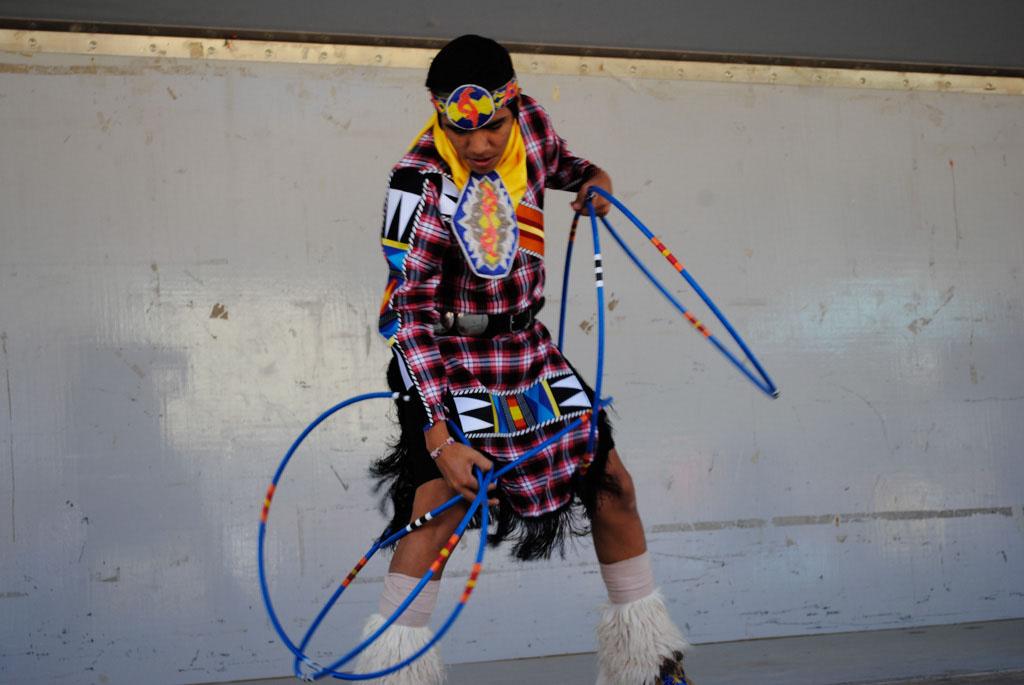 apche leap fest Yellow Bird Native American Dancers 001