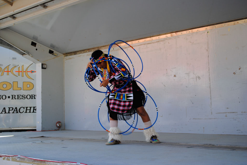 apche leap fest Yellow Bird Native American Dancers 003
