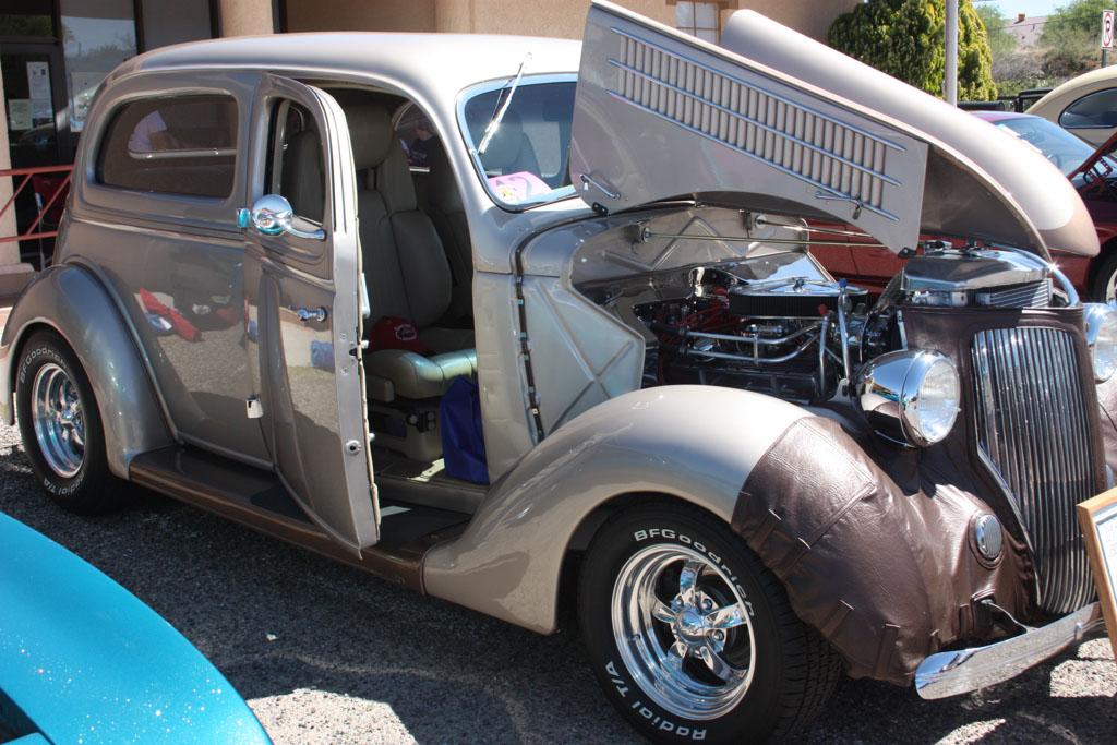 2012 Oracle Spring Run Car Show_090