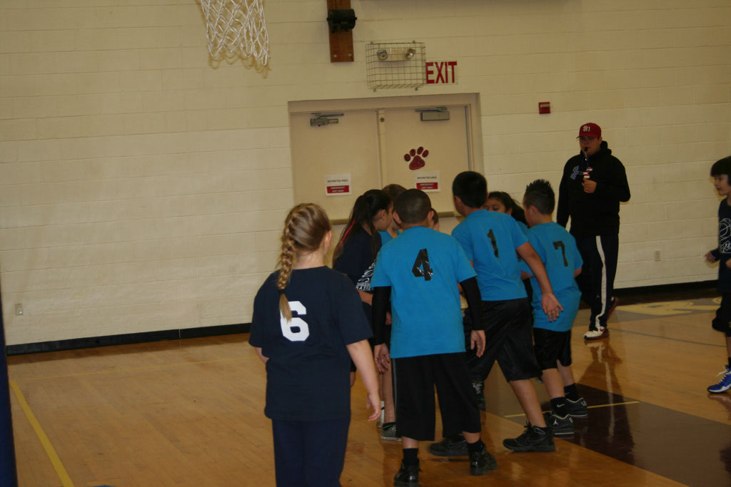 Community Schools Bball 2013_052
