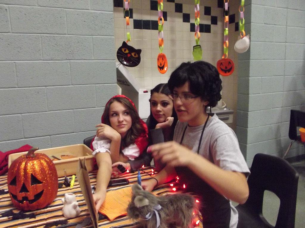 FCCLA Halloween Party 2012_031