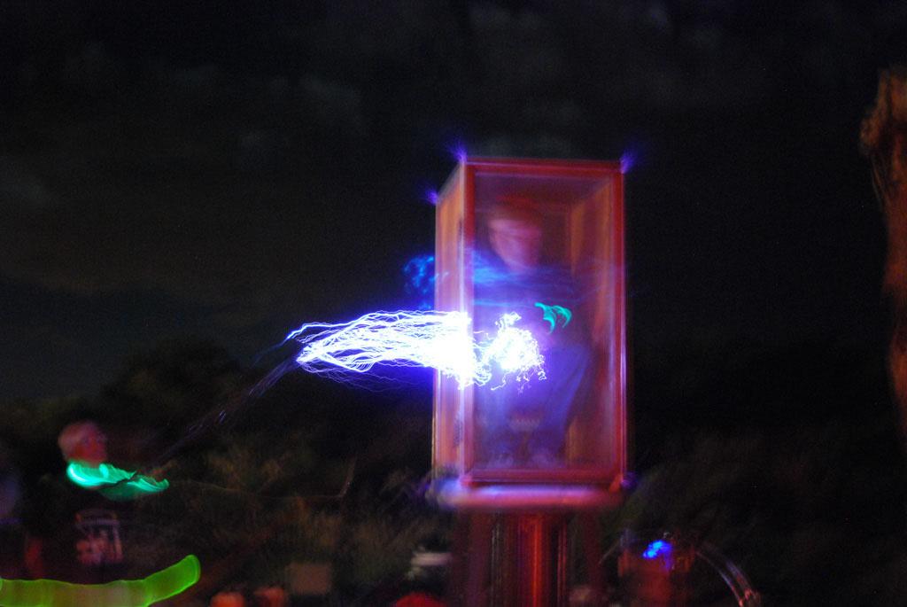 Glow-2013_101