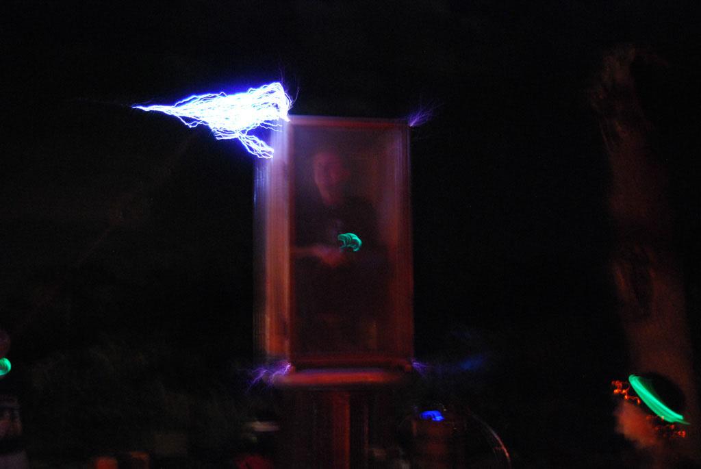 Glow-2013_102