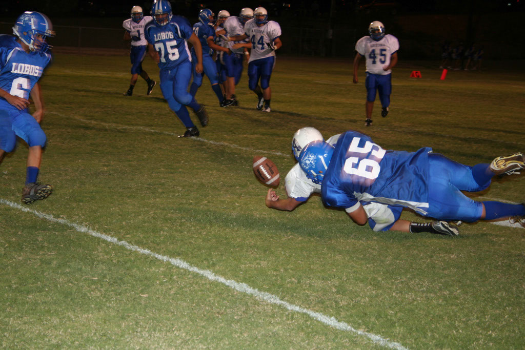 Lobo football vs ASDB_003
