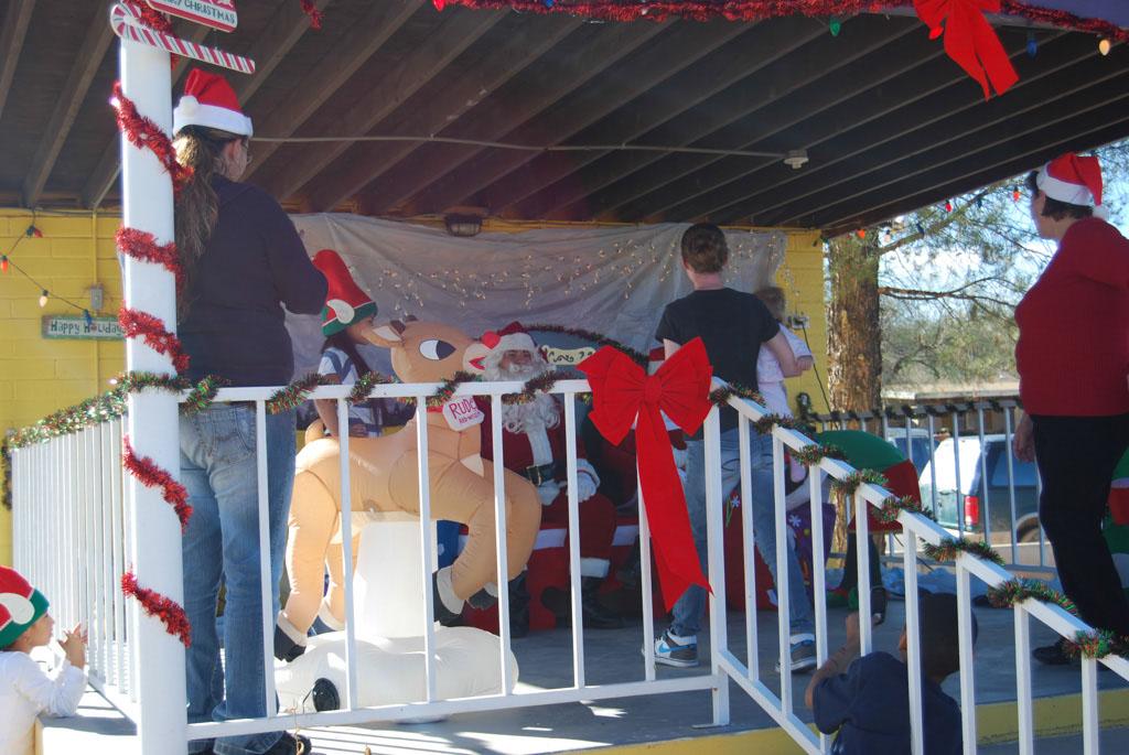 Mammoth Lions Club Santa 2012_045