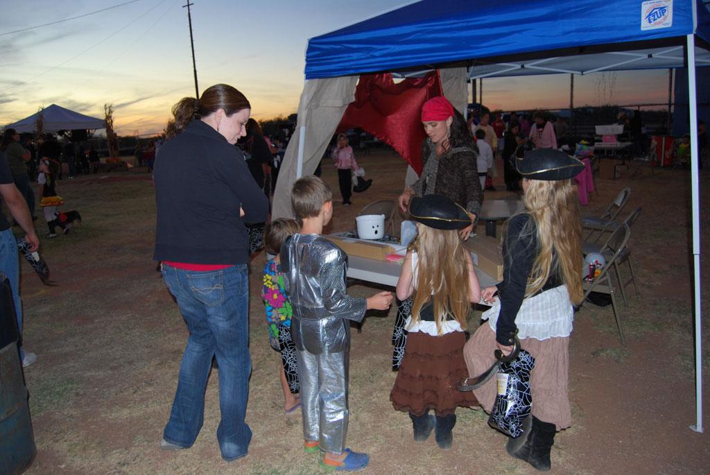 Tri-Community Halloween20111028_179