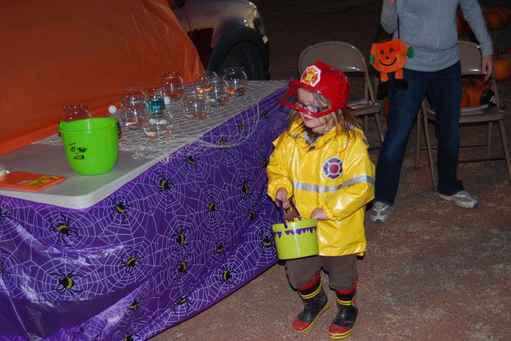Tri-Community Halloween20111028_180