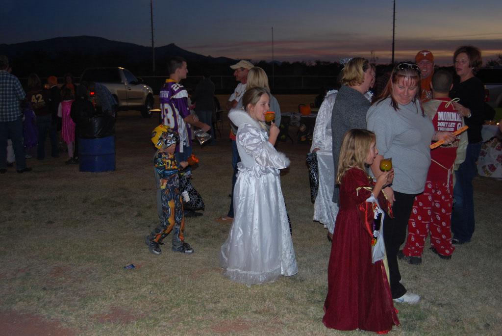 Tri-Community Halloween20111028_190