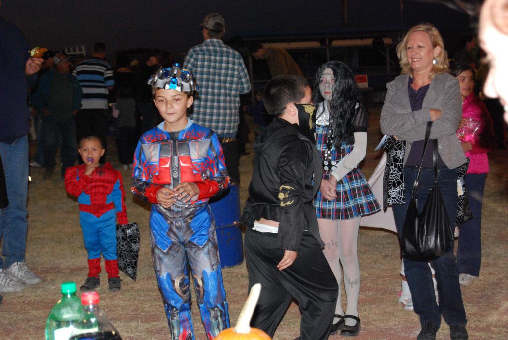 Tri-Community Halloween20111028_195