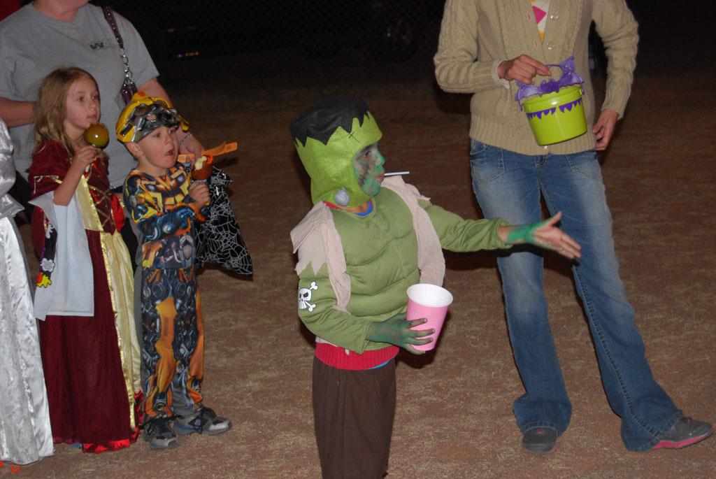 Tri-Community Halloween20111028_196