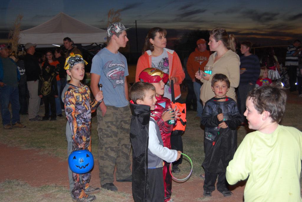 Tri-Community Halloween20111028_202