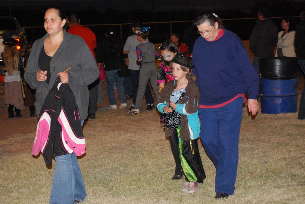 Tri-Community Halloween20111028_207
