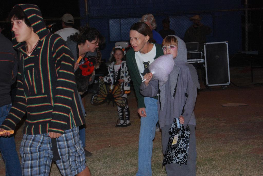 Tri-Community Halloween20111028_211