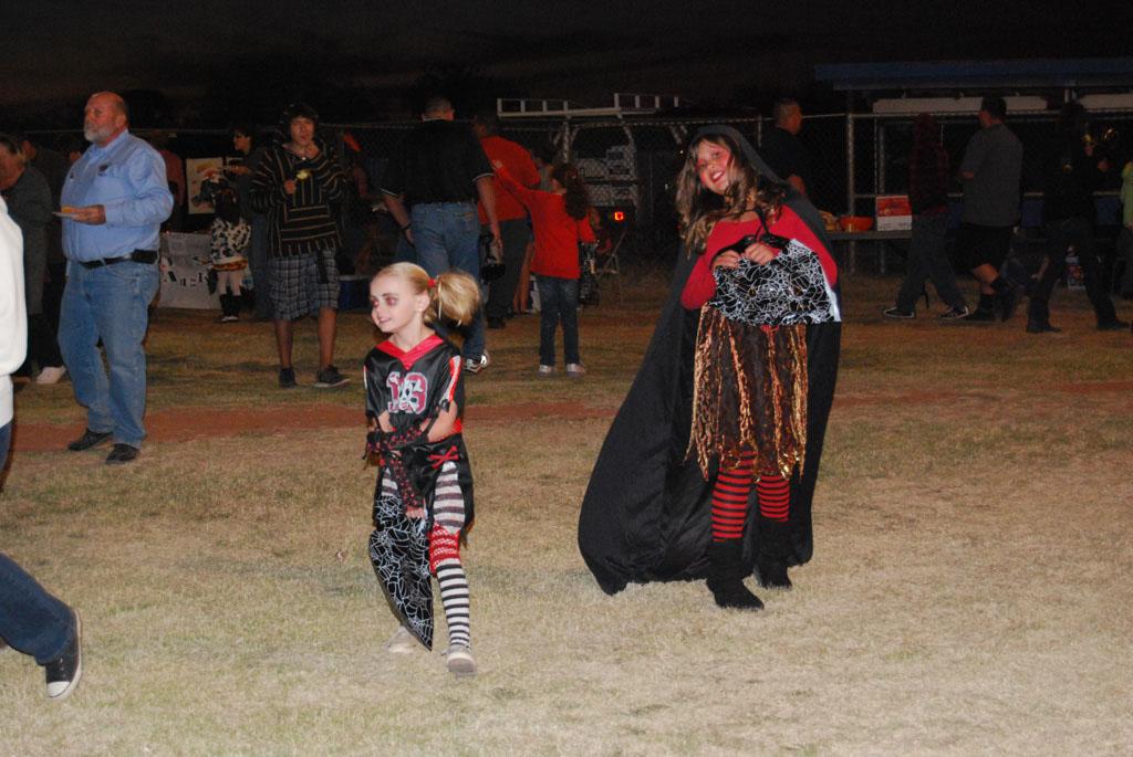 Tri-Community Halloween20111028_217