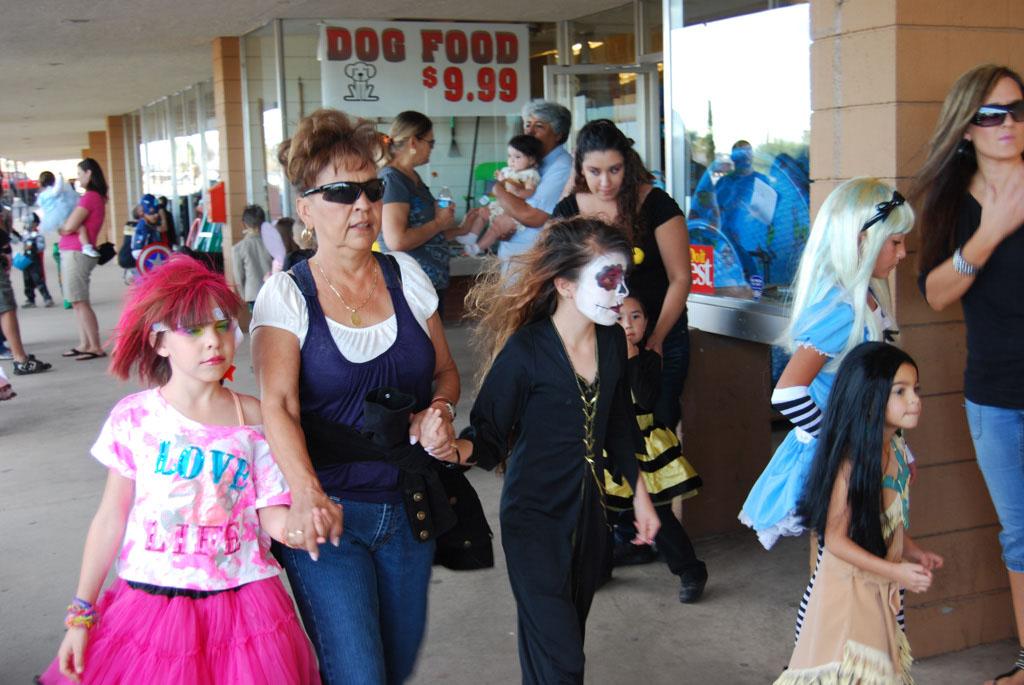 Tri-Community Halloween20111031_012