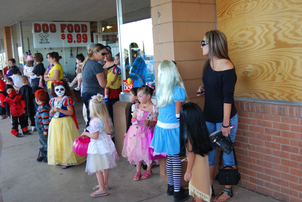 Tri-Community Halloween20111031_014