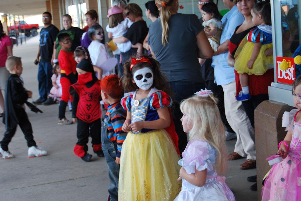 Tri-Community Halloween20111031_015