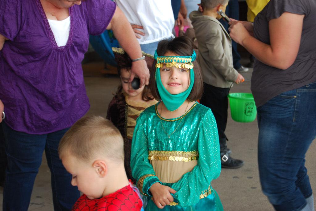 Tri-Community Halloween20111031_024
