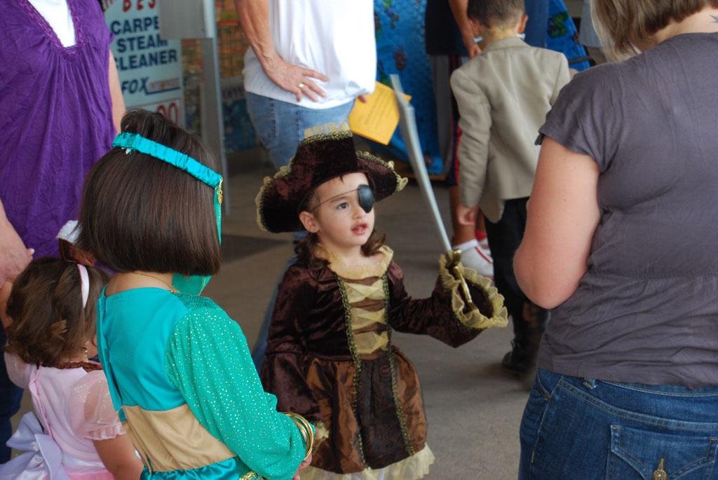 Tri-Community Halloween20111031_025