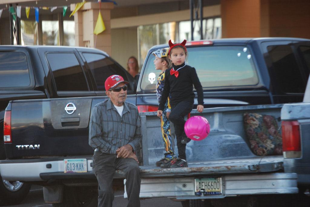 Tri-Community Halloween20111031_041