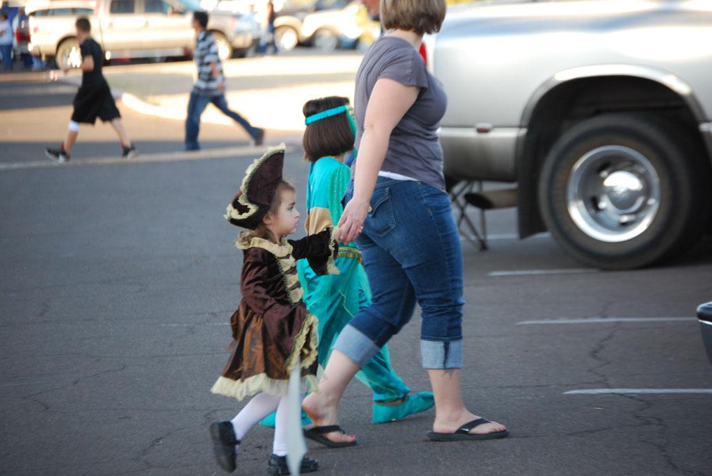 Tri-Community Halloween20111031_044
