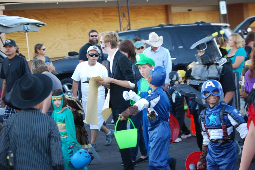 Tri-Community Halloween20111031_052