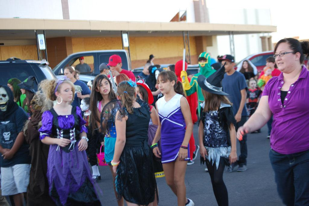 Tri-Community Halloween20111031_053