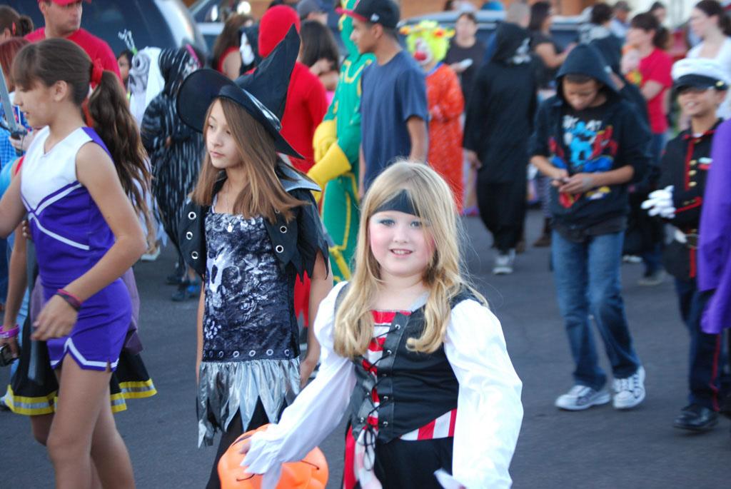 Tri-Community Halloween20111031_054