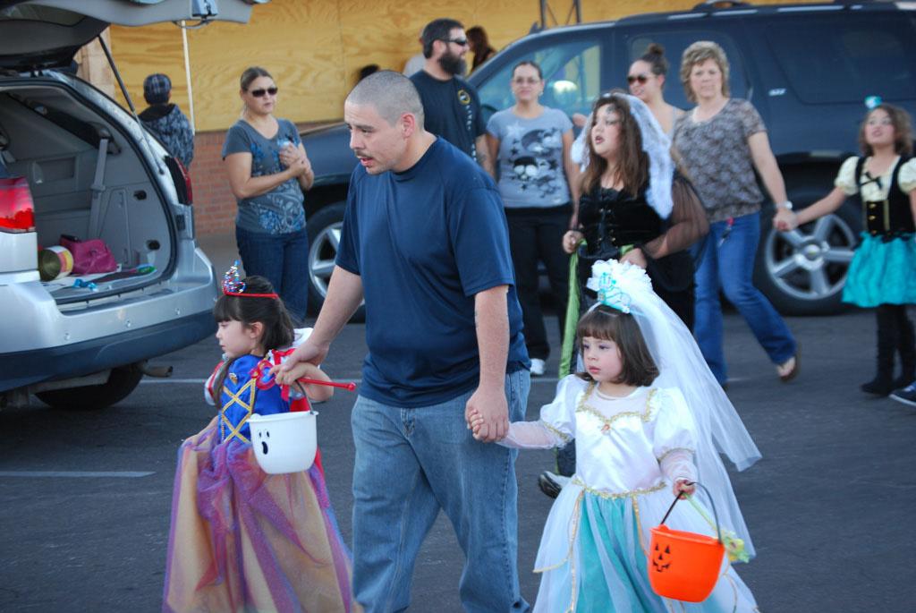 Tri-Community Halloween20111031_057
