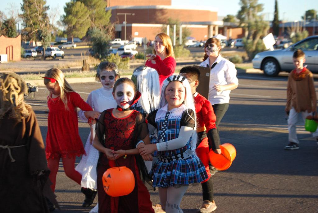 Tri-Community Halloween20111031_065