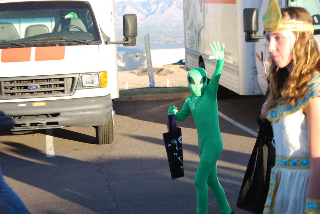 Tri-Community Halloween20111031_071