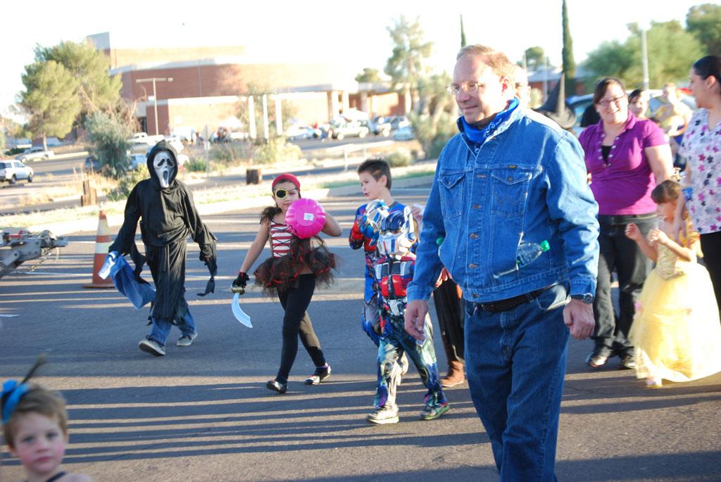 Tri-Community Halloween20111031_077