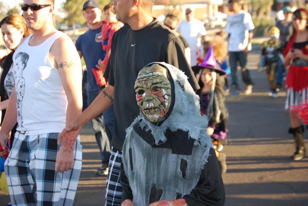 Tri-Community Halloween20111031_081