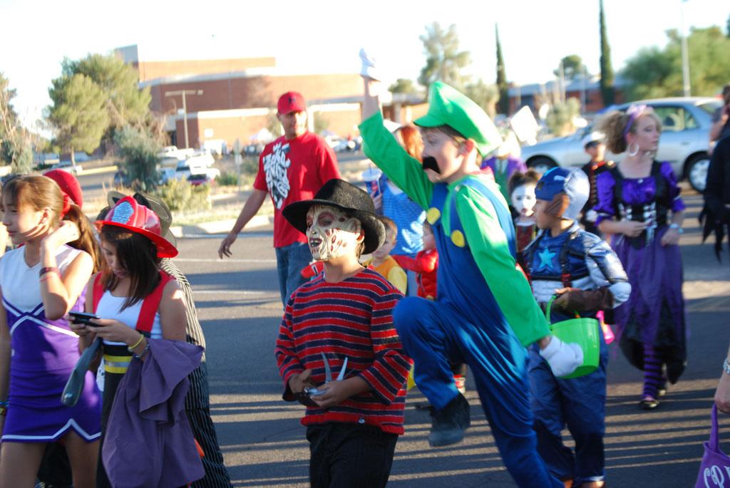 Tri-Community Halloween20111031_086