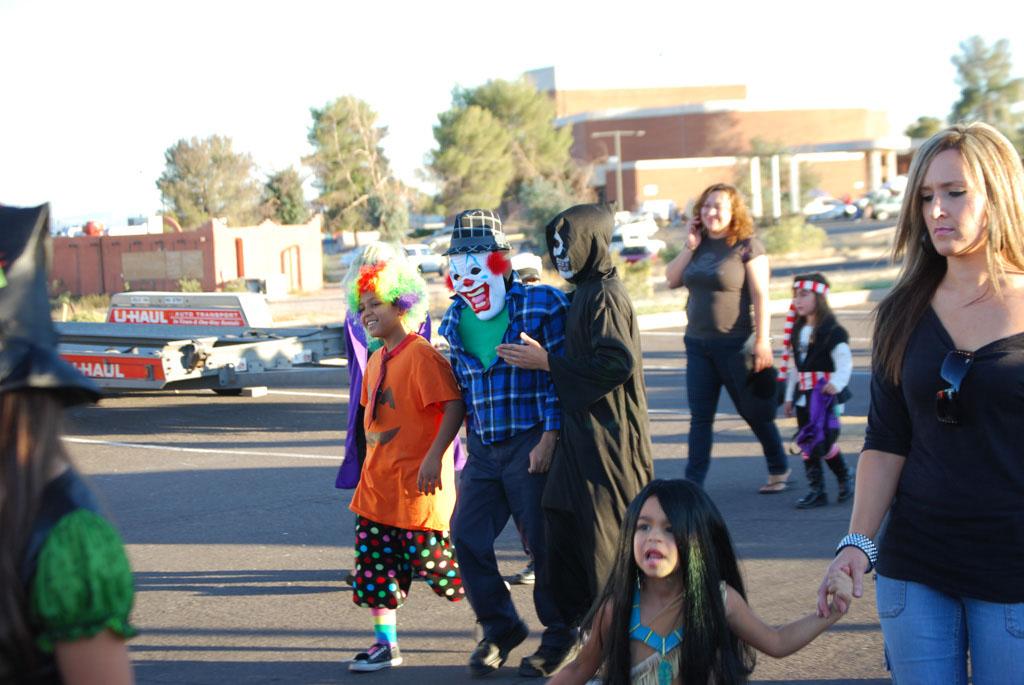 Tri-Community Halloween20111031_089