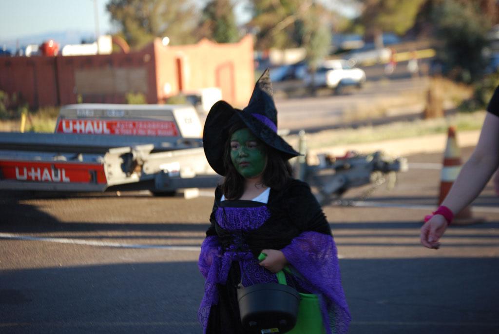 Tri-Community Halloween20111031_093