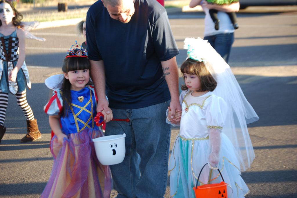 Tri-Community Halloween20111031_095