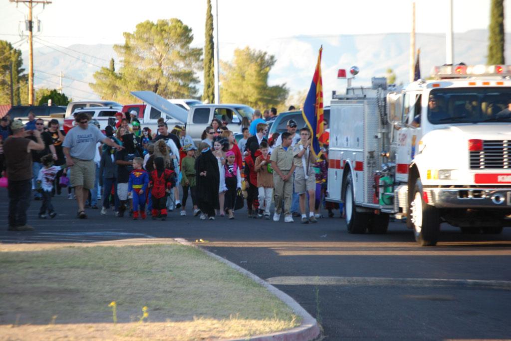 Tri-Community Halloween20111031_101
