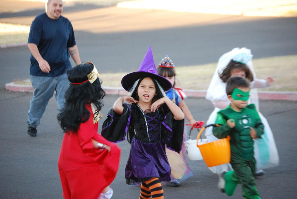 Tri-Community Halloween20111031_115
