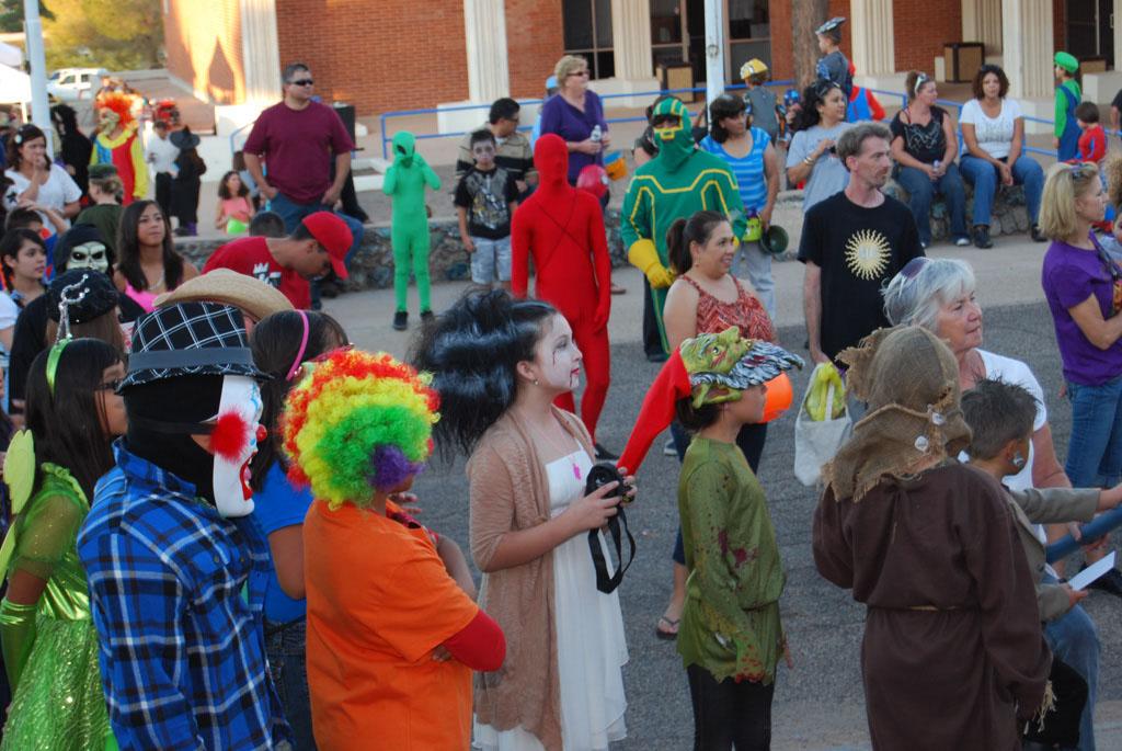 Tri-Community Halloween20111031_120