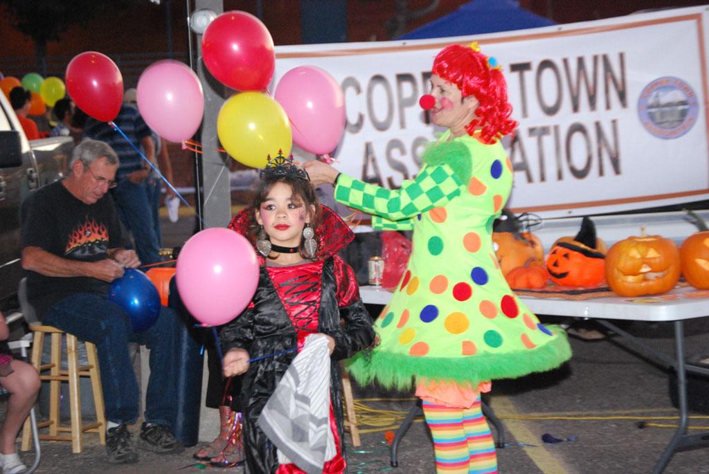 Tri-Community Halloween20111031_145